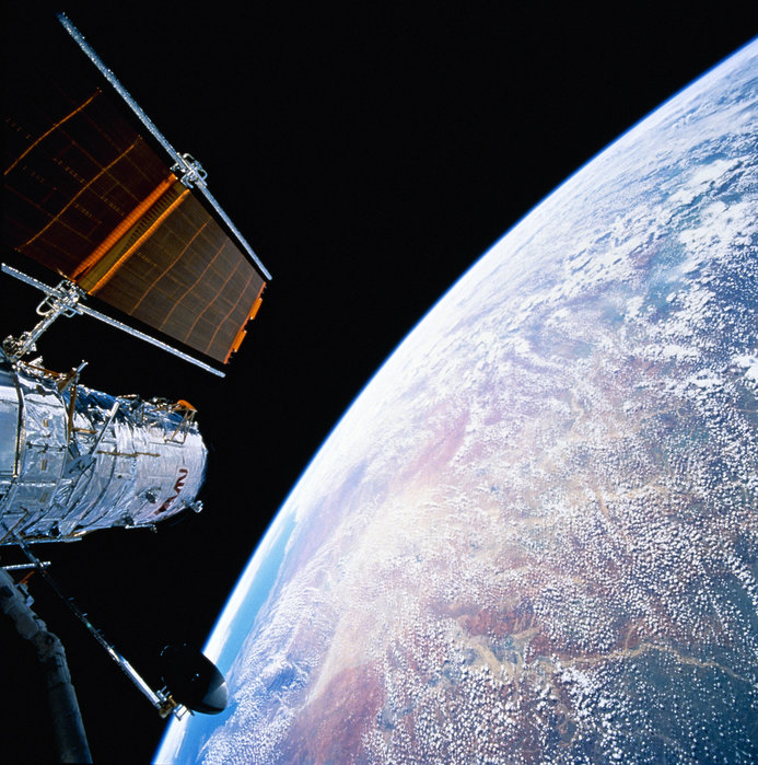 Celebrating the 25th Anniversary of the Hubble Telescope